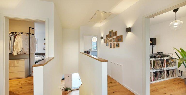 Treppenaufgang | LUXHAUS Walmdach 160 Copyright: