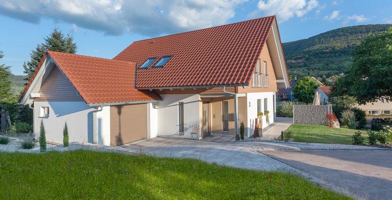 Klassisches Landhaus von SchwörerHaus KG