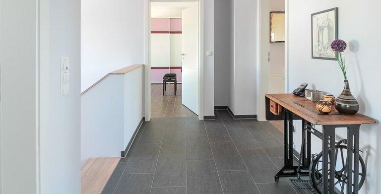 Mehrgenerationenhaus (Stadtvilla 220) - Flur Obergeschoss Copyright: