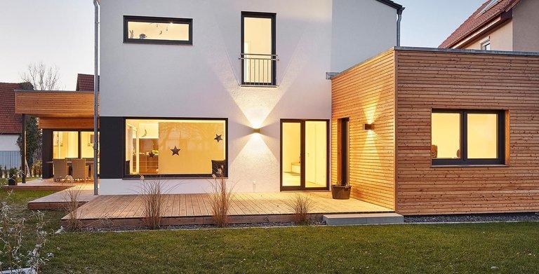 Terrasse | LUXHAUS Satteldach Landhaus 207 Copyright: