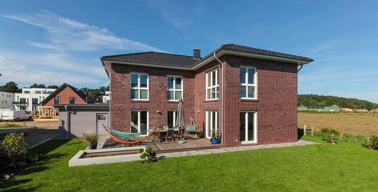 Mehrgenerationenhaus (Stadtvilla 220) - Terrassenseite Copyright: