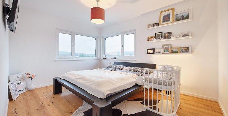 Schlafzimmer | LUXHAUS Walmdach 160 Copyright: