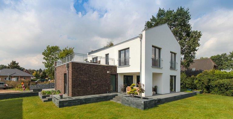 Modern Classic 150 - Blick vom Garten Copyright: