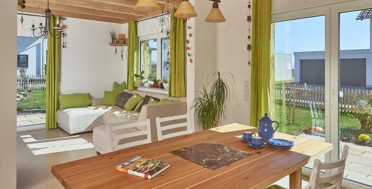 Haus Schmahlfeldt - Wohnzimmer und Esszimmer