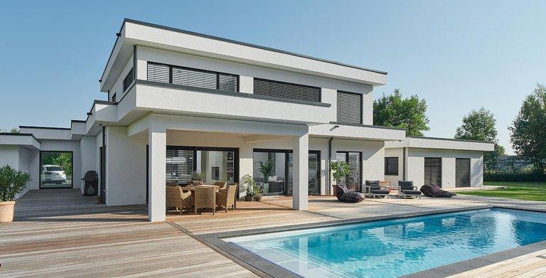 Garten mit Pool | LUXHAUS Flachdach 300 Copyright: