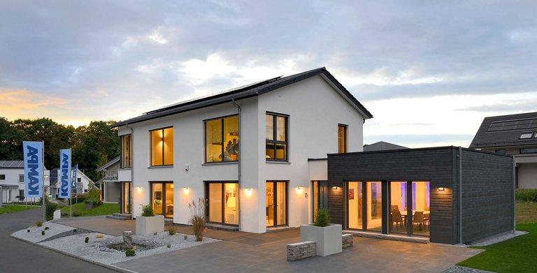 Satteldachhaus LANOS Bad Vilbel von KAMPA GmbH