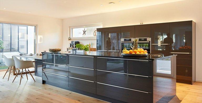 Küche | LUXHAUS Satteldach Landhaus 207 Copyright: