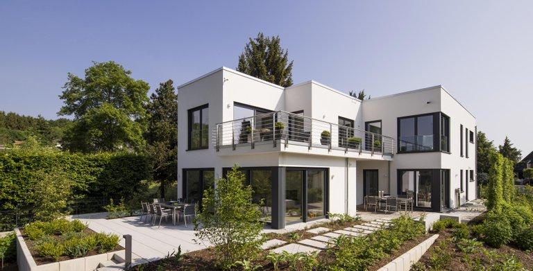 Modernes Bauhaus Unikat mit Terasse