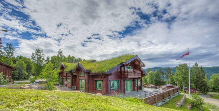 Skicenter & Restaurant 560 Copyright: MAD Mannarchitecturedesign.com